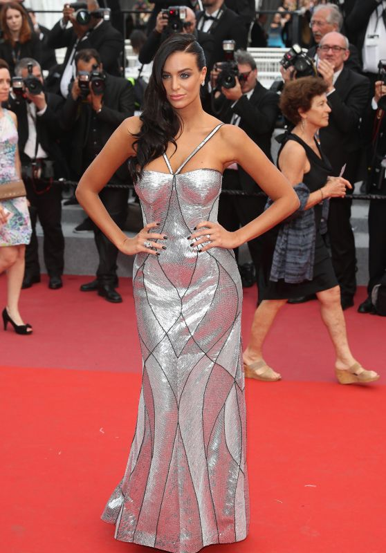 jade-foret-the-wild-pear-tree-red-carpet-in-cannes-15_thumbnailnaemkhaan