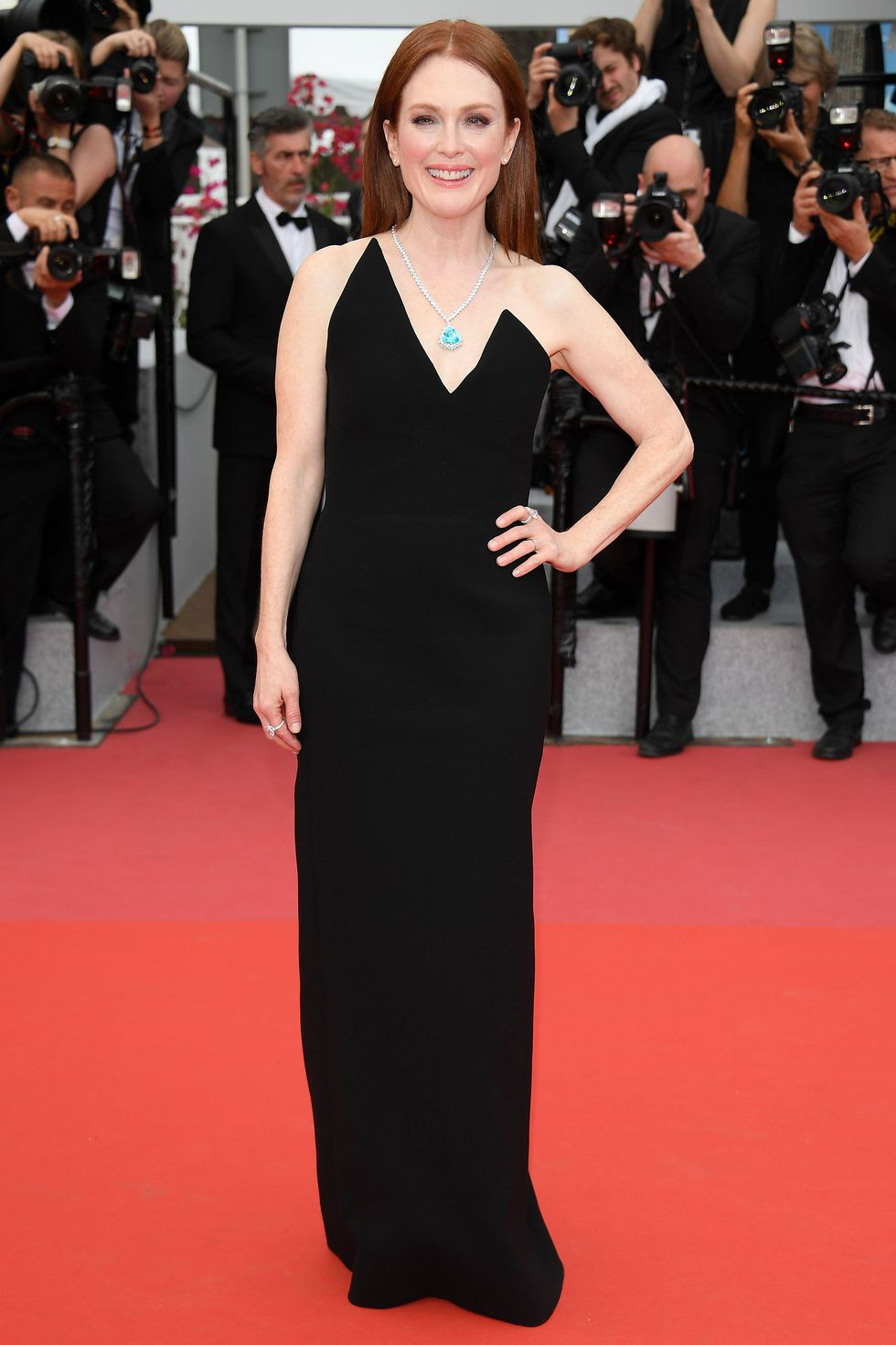 julianne-moore-cannes-1525885652saint laurent