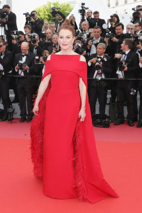 julianne moore givenchy haute couture