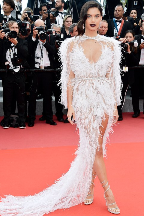 Sara-sampaioWhite-Dress-Cannes-SSralph&russo.jpg