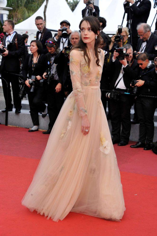 Stacy-Martin_-Sink-or-Swim-Premiere-at-2018-Cannes-Film-Festival--03-662x995dior