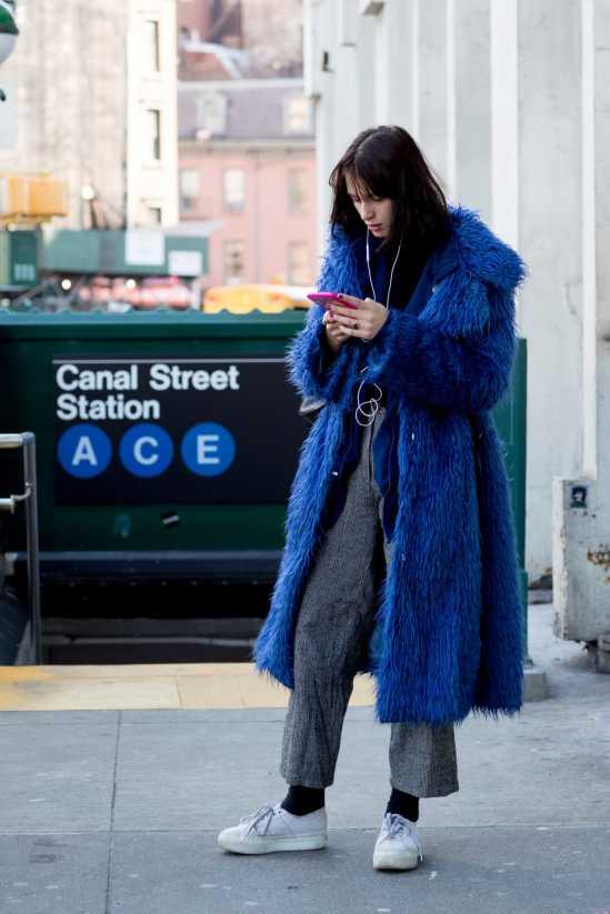 new-york-fashion-week-street-style-fall-2018-day-1-27