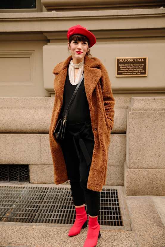 new-york-fashion-week-street-style-fall-2018-day-2-12.jpg