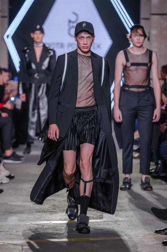 5_KTW-091118_3-PiotrPopiolek_highres_fotFilipOkopny-FashionImages