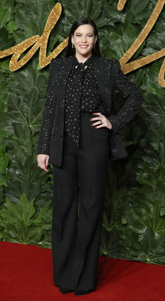 british-fashion-awards-2018-liv-tyler-1544523603