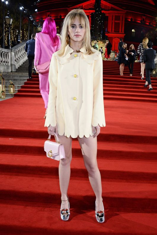 british-fashion-awards-2018-suki-waterhouse-1544523062