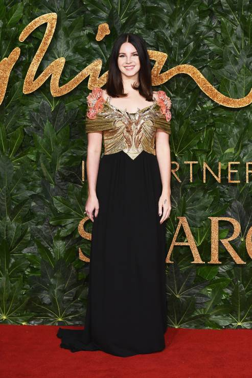 lana-del-rey-w-sukni-gucci-na-fashion-awards-2018