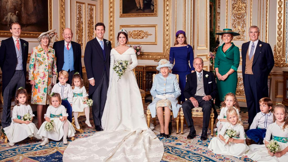 181013182100-01-princess-eugenie-jack-brooksbank-official-wedding-photos-restricted-super-tease.jpg