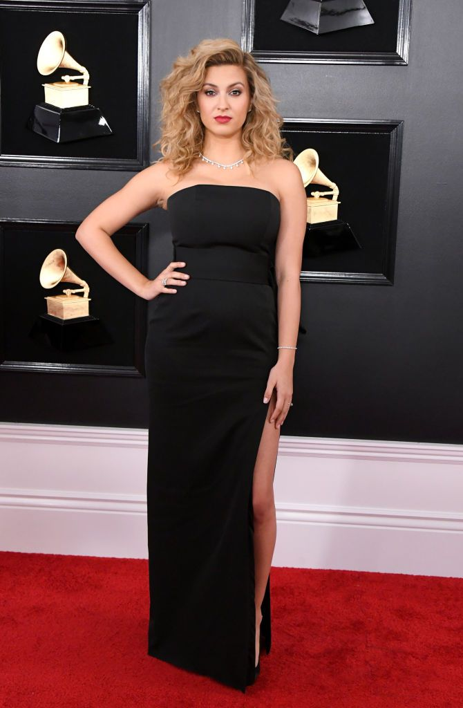 tori-kelly-attends-the-61st-paule ka