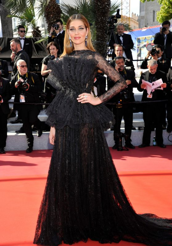 ana-beatriz-barros-the-traitor-red-carpet-at-cannes-film-festival-12_thumbnail