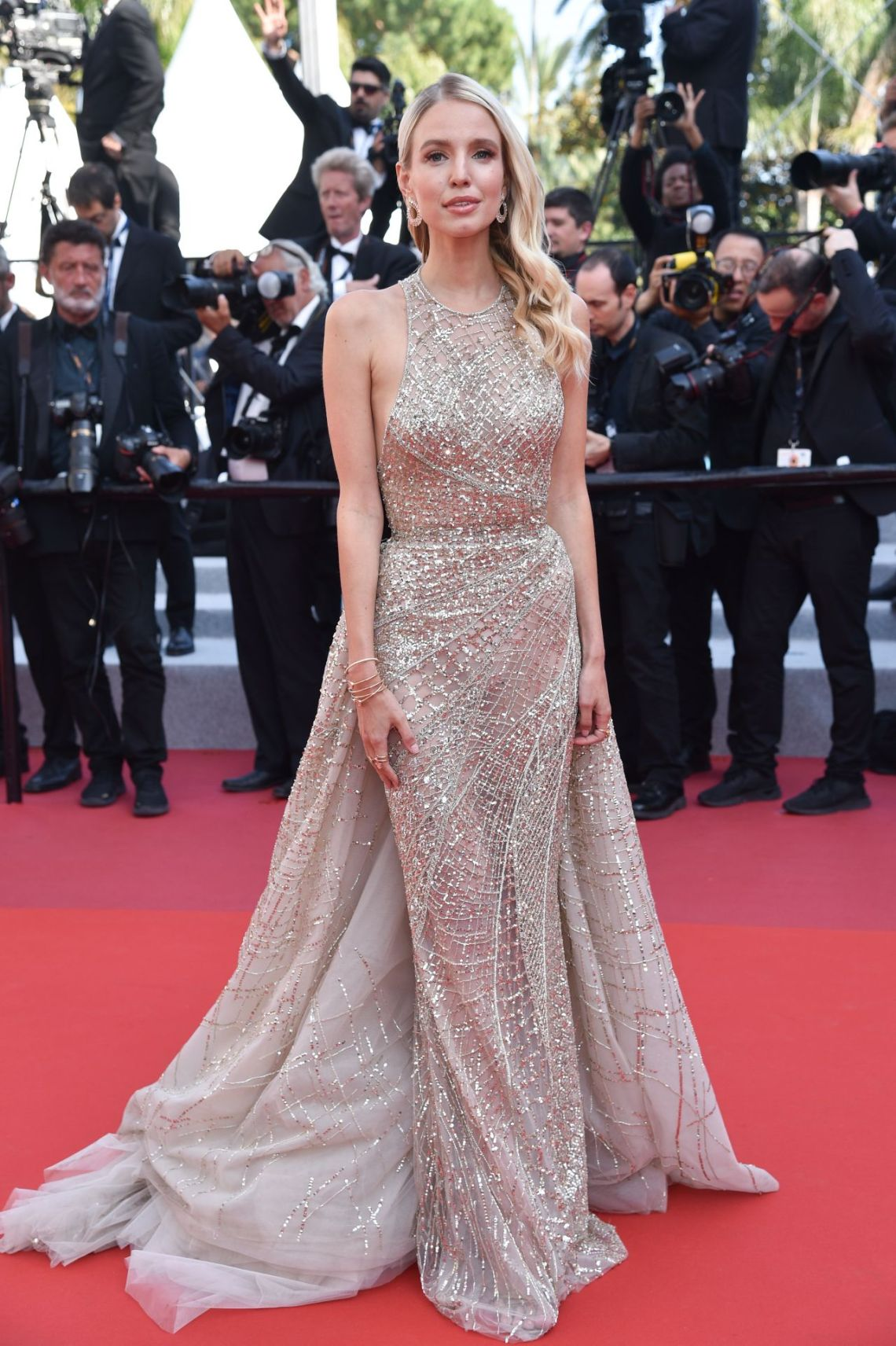 leonie-hanne-the-traitor-red-carpet-at-cannes-film-festival-0
