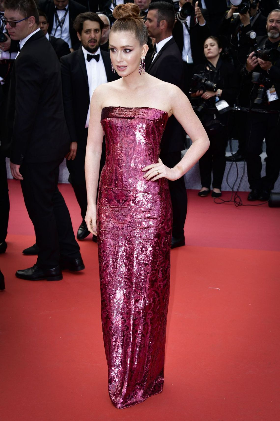 marina-ruy-barbosa-at-oh-mercy-premiere-at-2019-cannes-film-festival-05-22-2019-5etro