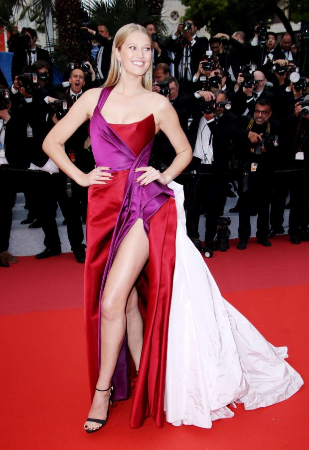 Toni-Garrn_-The-Best-Years-of--Life-Premiere-25-620x904ralph russo hc