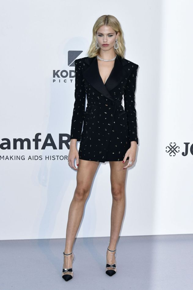 hailey-clauson-at-amfar-cannes-gala-2019-05-23-2019-10redemption