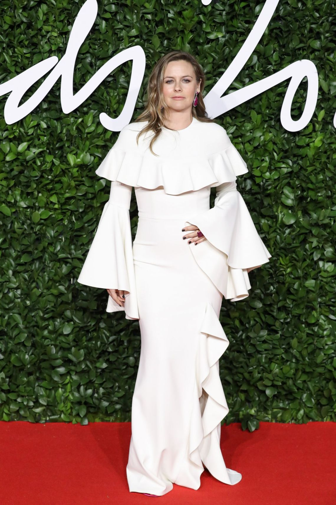 alicia-silverstone-fashion-awards-2019-red-carpet-in-london-5