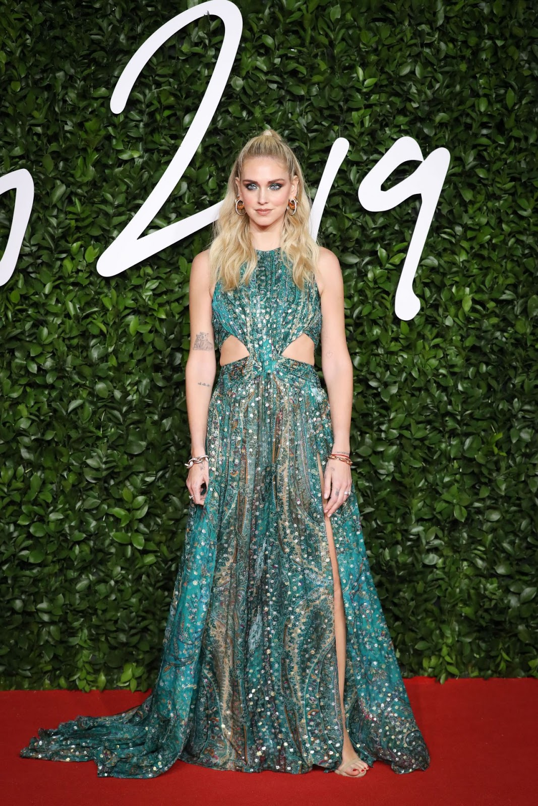 chiara-ferragni-fashion-awards-2019-red-carpet-in-london-0