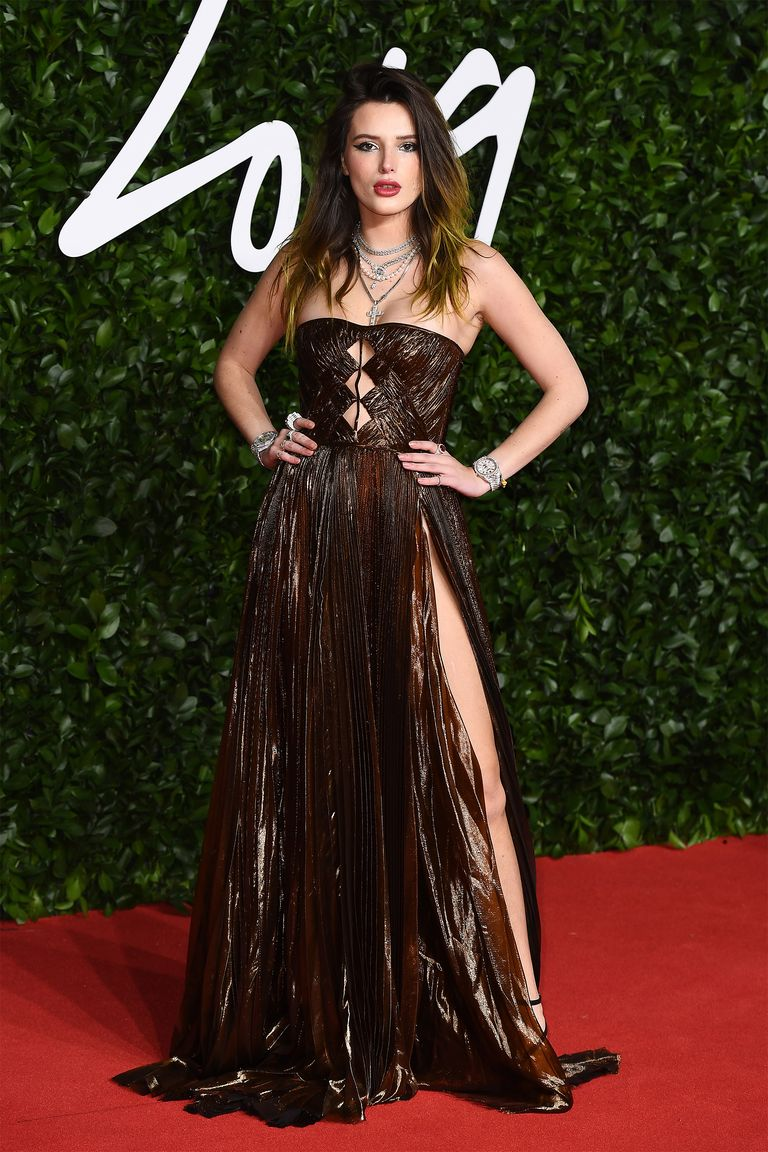 hbz-fashion-awards-2019-bella-thorne-1575317043