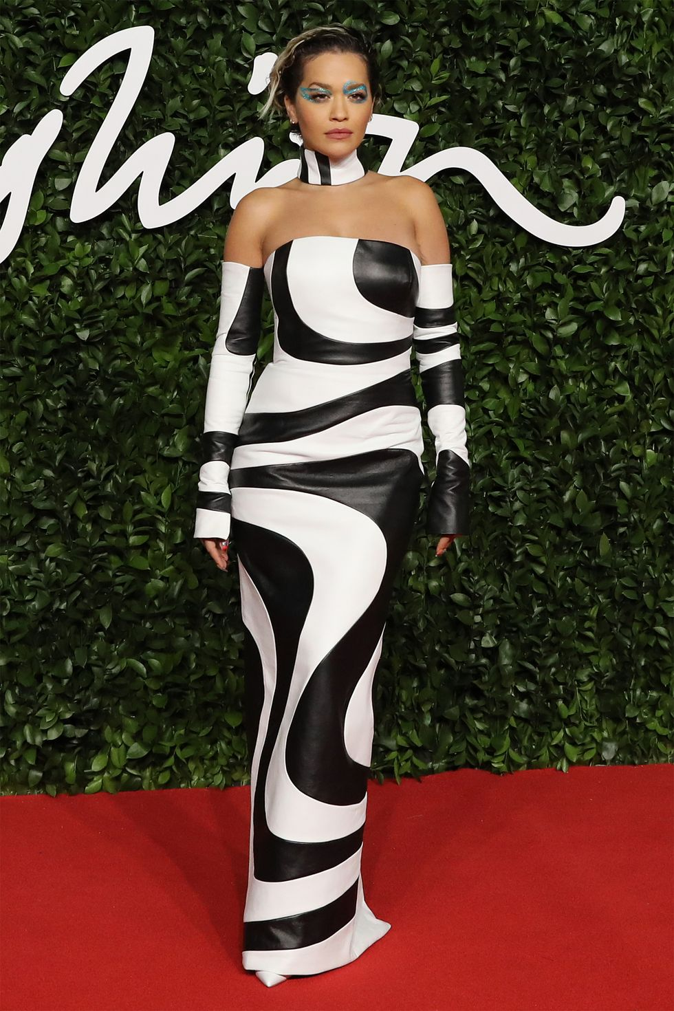 hbz-fashion-awards-2019-rita-ora-1575315166