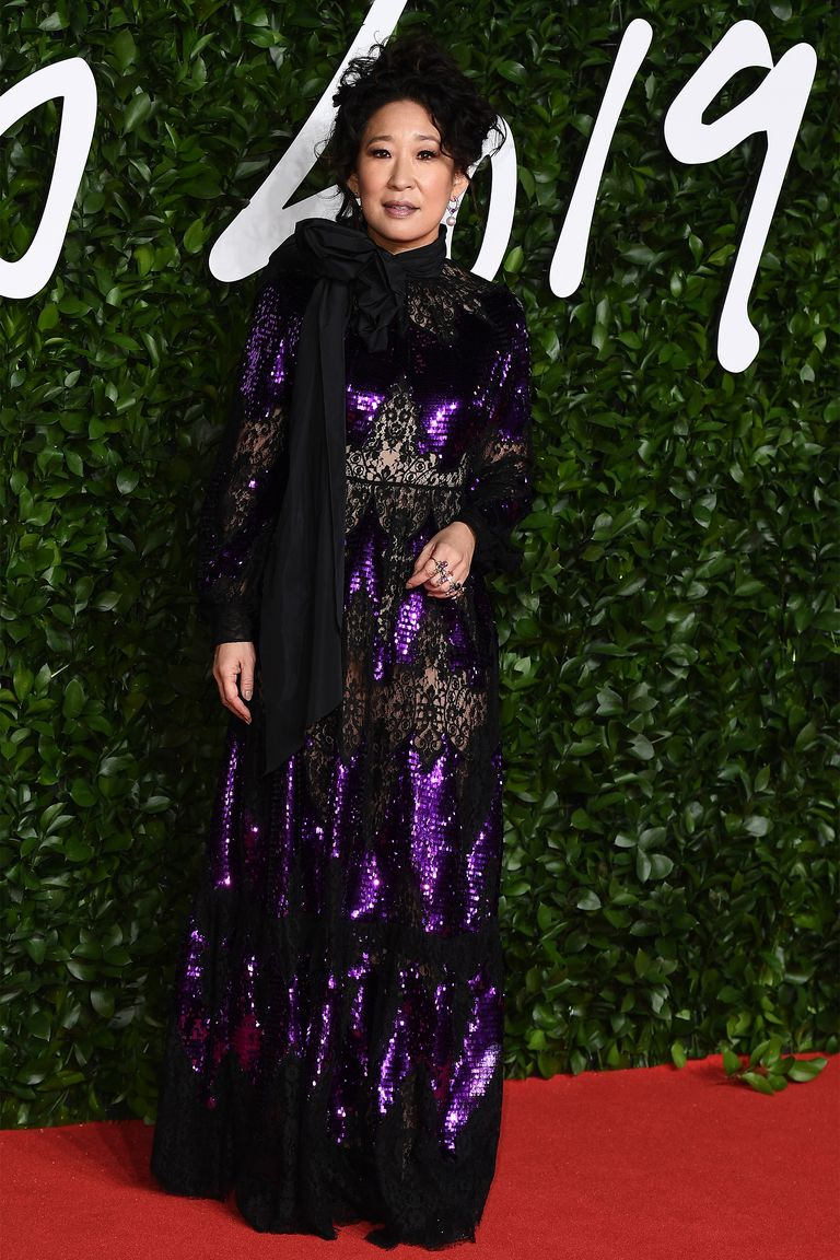 hbz-fashion-awards-2019-sandra-oh-1575315167