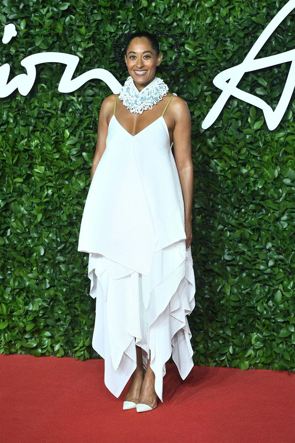 hbz-fashion-awards-2019-tracee-ellis-ross-1575314218loewe