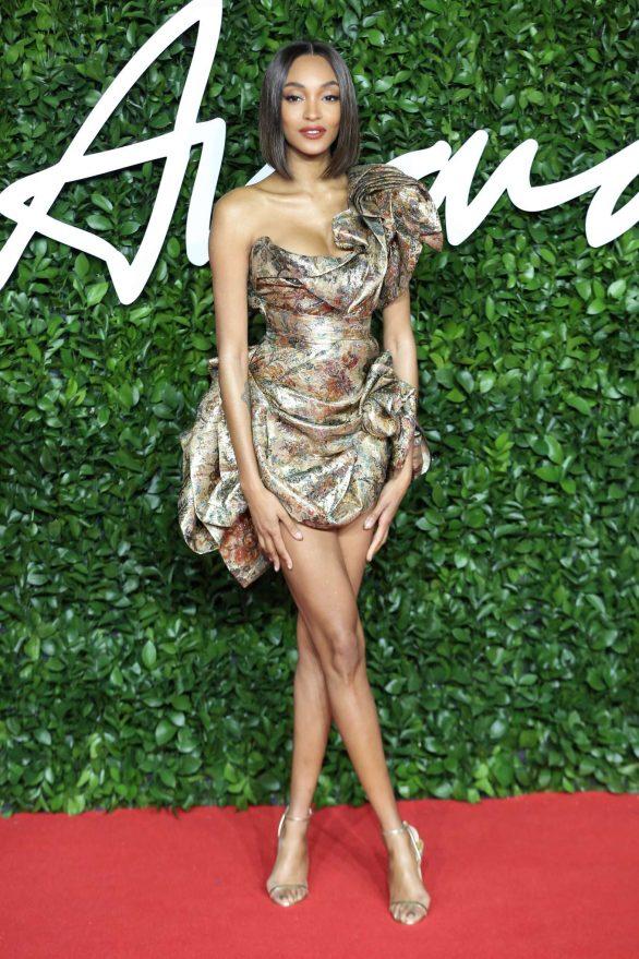 Jourdan-Dunn---Fashion-Awards-2019-in-London-04-586x879